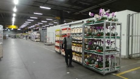 Garage Van Zanten : Nl: half a century of flower auction with hans van zanten