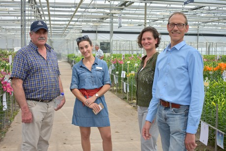 Flower bulb trade between nl and south america going strong veronika paessler agricultural attach lontine crisson and jan ruts representative of van den bos in south america freerunsca Images